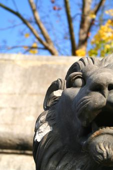 Free Lion Statue Royalty Free Stock Photo - 870365
