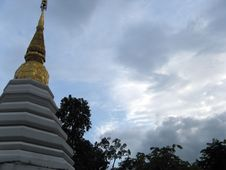 Free Chedi In The Clouds Royalty Free Stock Photography - 872957