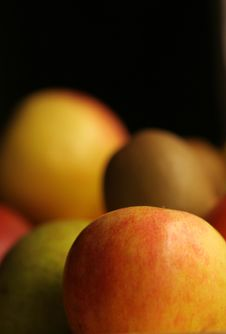 Free Fruit Plate Royalty Free Stock Photography - 873097