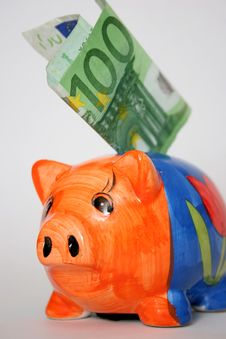 Free Hundred Euro And Piggy Royalty Free Stock Image - 878046