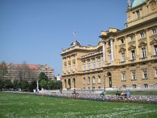 Free Zagreb: Theatre Park Royalty Free Stock Photo - 878245