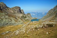 Free Alpine Moutain Lake In Summer Stock Images - 878384