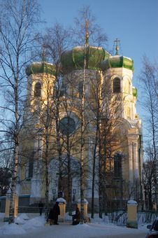 Free Orthodox Cathedral In Winter Royalty Free Stock Photography - 8700237