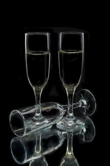 Free Champagne Flutes Royalty Free Stock Photo - 8711905