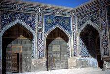 Free Mosque Courtyard Registan Square Royalty Free Stock Photo - 8718415