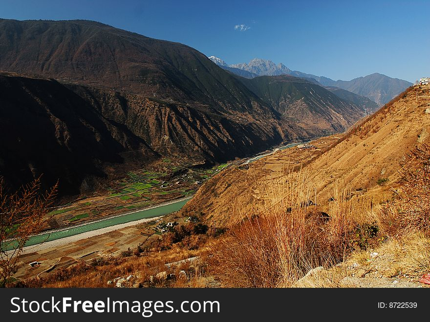 Valley of Da du river
