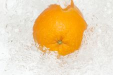 Free Fresh,juicy Orange Splashing In Cool,clean Water. Royalty Free Stock Photo - 8733175