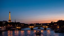 Free Paris Sunset Stock Images - 87312134