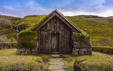 Free Traditional Icelandic Turf House Royalty Free Stock Photos - 87312928