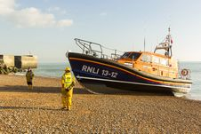 Free RNLB Cosandra, A Shannon Class Lifeboat, Visits Hastings Lifeboat Station. Stock Photo - 87313000