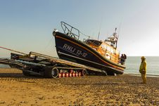Free RNLB Cosandra, A Shannon Class Lifeboat, Visits Hastings Lifeboat Station. Stock Image - 87313041