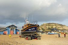 Free RNLB Cosandra, A Shannon Class Lifeboat, Visits Hastings Lifeboat Station. Stock Photo - 87313080