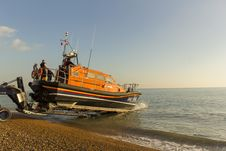 Free RNLB Cosandra, A Shannon Class Lifeboat, Visits Hastings Lifeboat Station. Stock Photography - 87313162