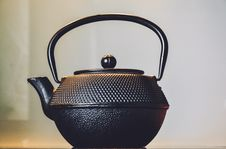 Free Antique Teapot Stock Image - 87322771