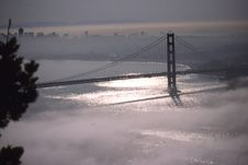 Free Golden Gate Bridge In Fog 1 Royalty Free Stock Photos - 87380308