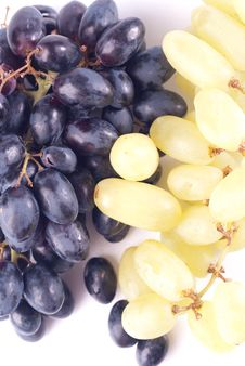 Free Ripe Grape Isolated Royalty Free Stock Photo - 8743375
