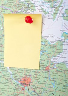 Free Yellow Note And Red Pin On Map Stock Image - 8743411