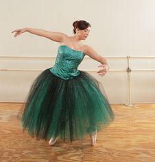 Free Ballet Dancer Royalty Free Stock Images - 8743439