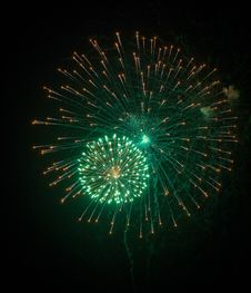 Free Green Firework Explosion Stock Images - 8744494