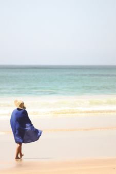 Free Blue Draped Woman At The Beach Royalty Free Stock Photography - 8747857