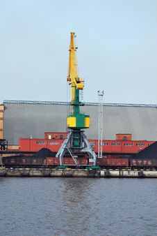 Free Crane In Harbour Stock Photos - 8751083