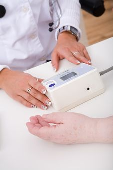 Free Blood Pressure Gauge Stock Photography - 8754902