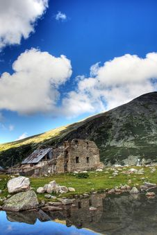 Free An Old Ruin In Rila Royalty Free Stock Photo - 8755555