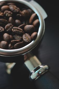 Free Close-up Of Coffee Beans In Bowl Stock Photography - 87504282