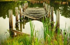 Free Decayed Wooden Pier In Lake Royalty Free Stock Images - 87585239