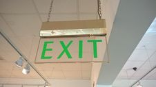 Free Old-style Fire Exit Sign Stock Photo - 87586620