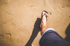 Free Making Footprints In The Sand Stock Images - 87587414