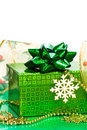 Free Green Gift Box And Snowflake Stock Photography - 8762462
