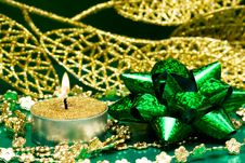 Free Green Festive Bow Stock Images - 8762314