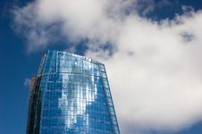 Free Skyscraper And Blue Sky Royalty Free Stock Photos - 8762608