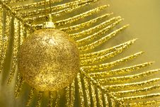 Free Festive Ball Royalty Free Stock Image - 8762856