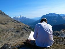 Free Reconnoitering In Canadian Rockies Royalty Free Stock Photo - 8764235