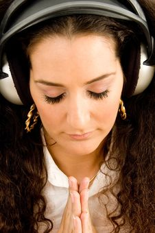 Free Attractive Woman With Headphones Stock Images - 8767304