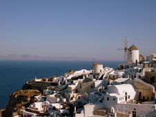 Free Village Of Oia Royalty Free Stock Images - 8768499