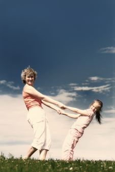 Free Young Mother With Happy Little Daughter. Royalty Free Stock Photography - 8773967