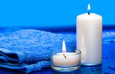 Free Candles And Towel Royalty Free Stock Images - 8777519