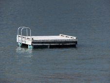 Free Swimmers Floating Dock With Ladder Royalty Free Stock Image - 8778596