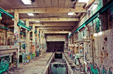 Free Interior Of Abandoned Factory Royalty Free Stock Photo - 87720105