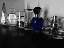 Free Collection Of Perfume Bottles Royalty Free Stock Photos - 87781978