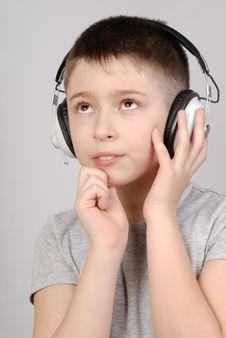 Free Listening Boy Royalty Free Stock Photos - 8781698