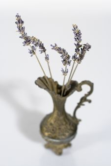 Free Aromatic Lavender Stems In A Vintage Vase Stock Photography - 8784842