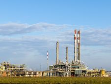Free Part Of Refinery Complex Royalty Free Stock Photography - 8786477