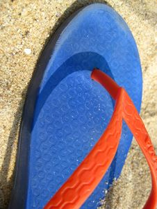 Free Colorful-flip-flop-on-sand Royalty Free Stock Image - 87853736