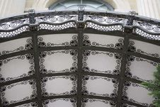 Free Opaque Glass Canopy Stock Photography - 87854402