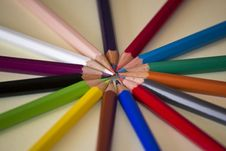 Free Circle Of Pencils In Different Shades Stock Photography - 87854422
