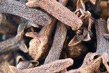 Free Aromatic Dried Cloves Royalty Free Stock Images - 87854459